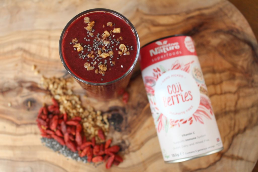 Goji Berry, Chia and Lime Smoothie